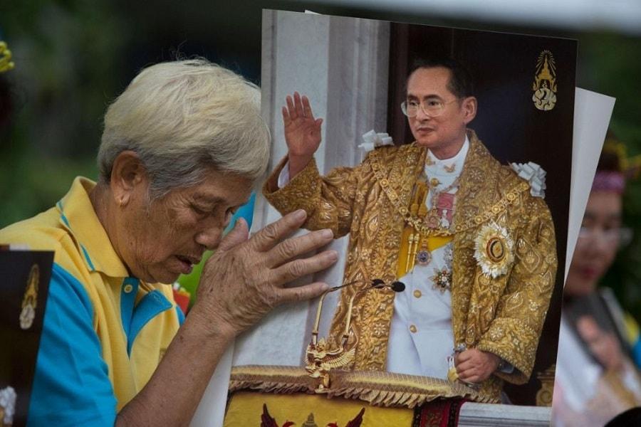 Injak mata uang baht Thailand kena hukuman penjara