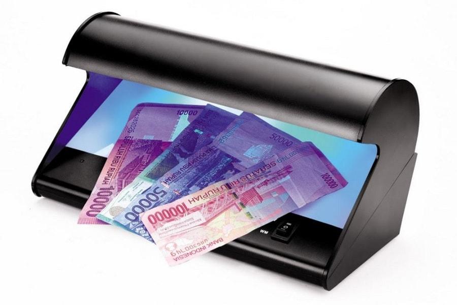 Cara kerja dan harga alat deteksi uang palsu lampu ultra violet