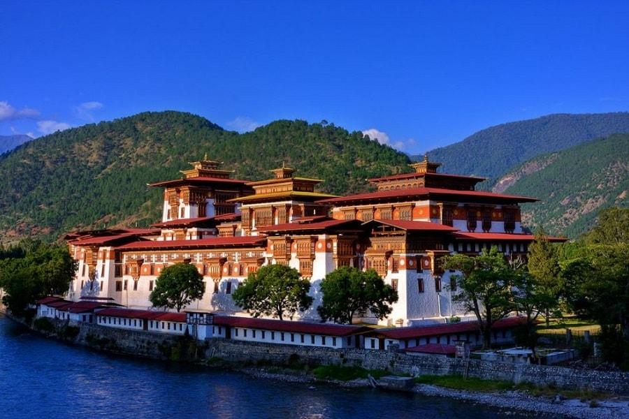 ngultrum mata uang negara Bhutan