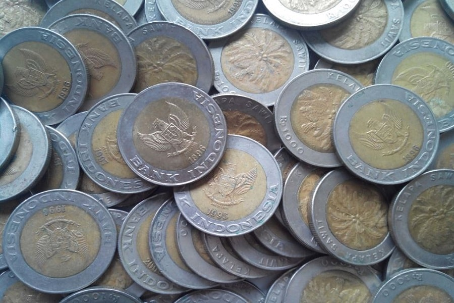 Bahan pembuatan uang logam dan uang kertas Indonesia
