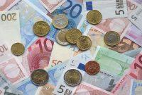 Kelebihan dan kekurangan uang kertas vs. uang logam