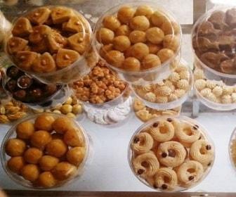 peluang bisnis pada bulan Ramadan bikin kue kering