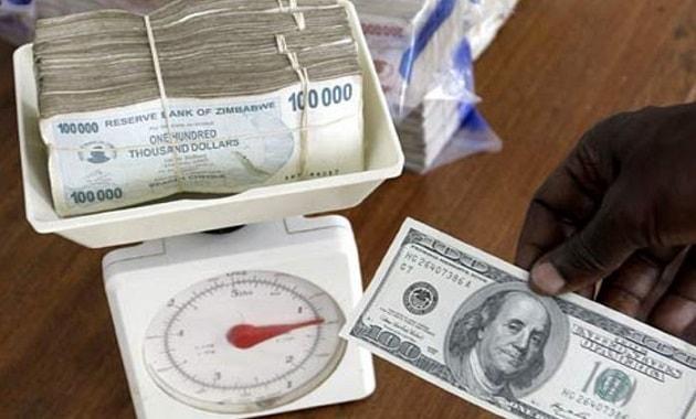 Dolar Zimbabwe dihitung dengan ditimbang
