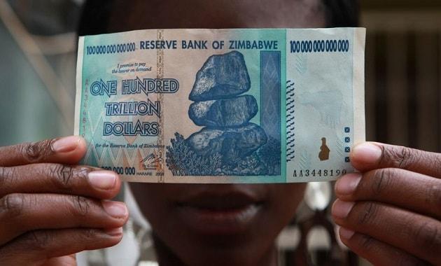 Uang dolar Zimbabwe nominal seratus triliun