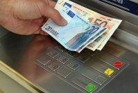 meme perbedaan gaya tarik uang di ATM